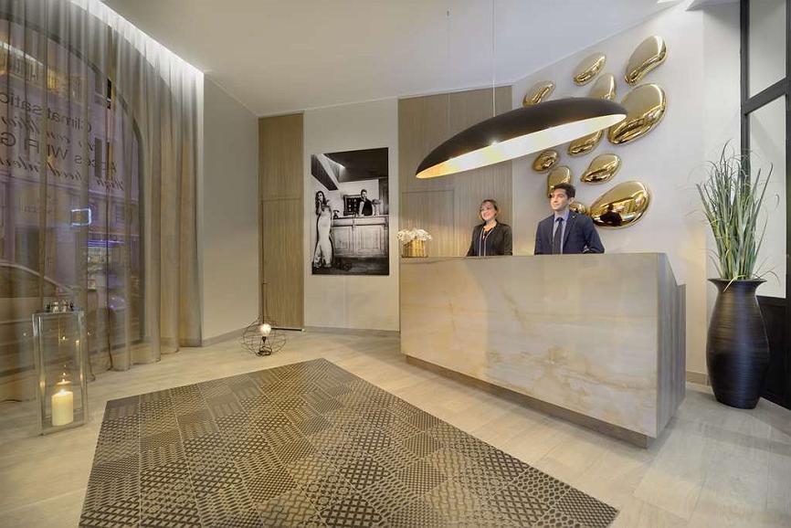 Best Western Plus Nice Cosy Hotel - Best Western Plus® Nice Cosy Hotel Reception Desk