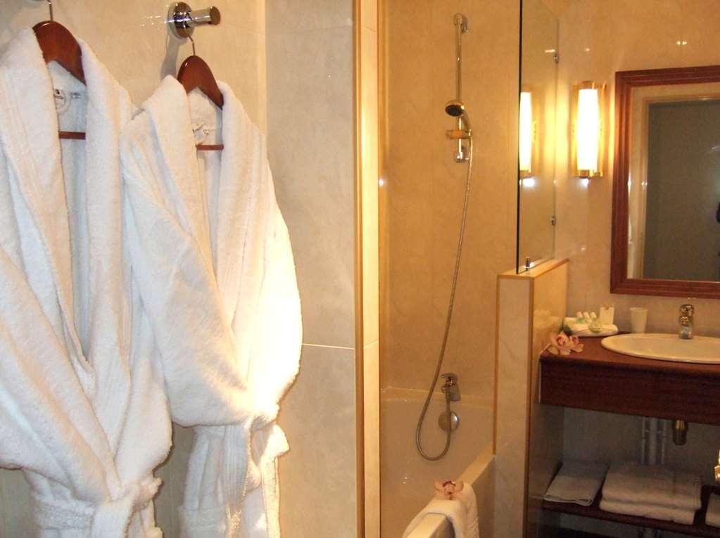 Best Western Amiral Hotel - Badezimmer