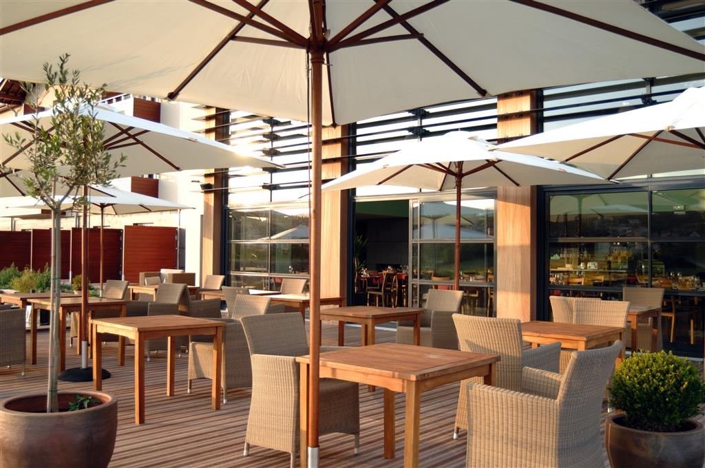 Best Western Plus Hotel Gergovie - Patio