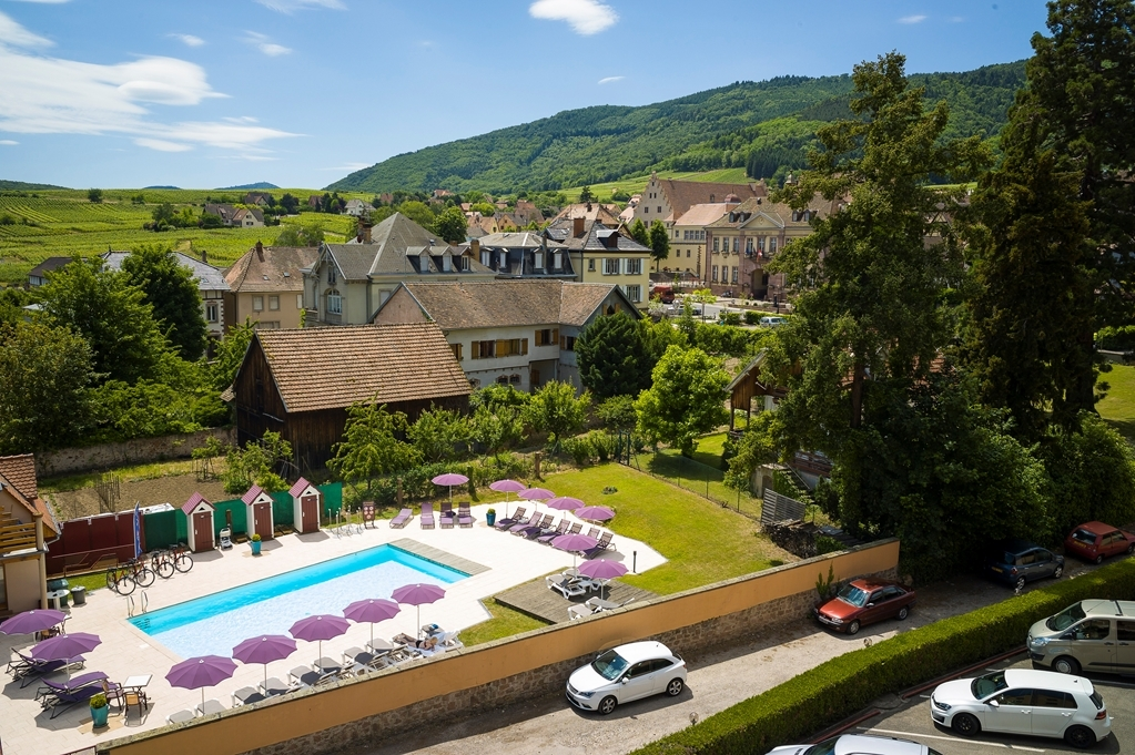 Best Western Hotel le Schoenenbourg - Outdoor Swimming Pool
