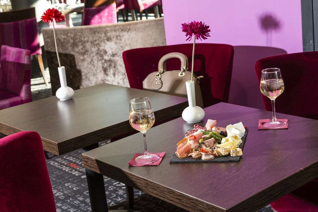 Best Western Plus Hotel de l'Arbois - Bar/Lounge