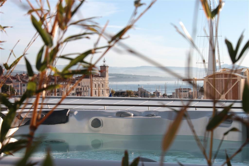 Best Western Premier Vieux Port - Jacuzzi®-Whirlpool