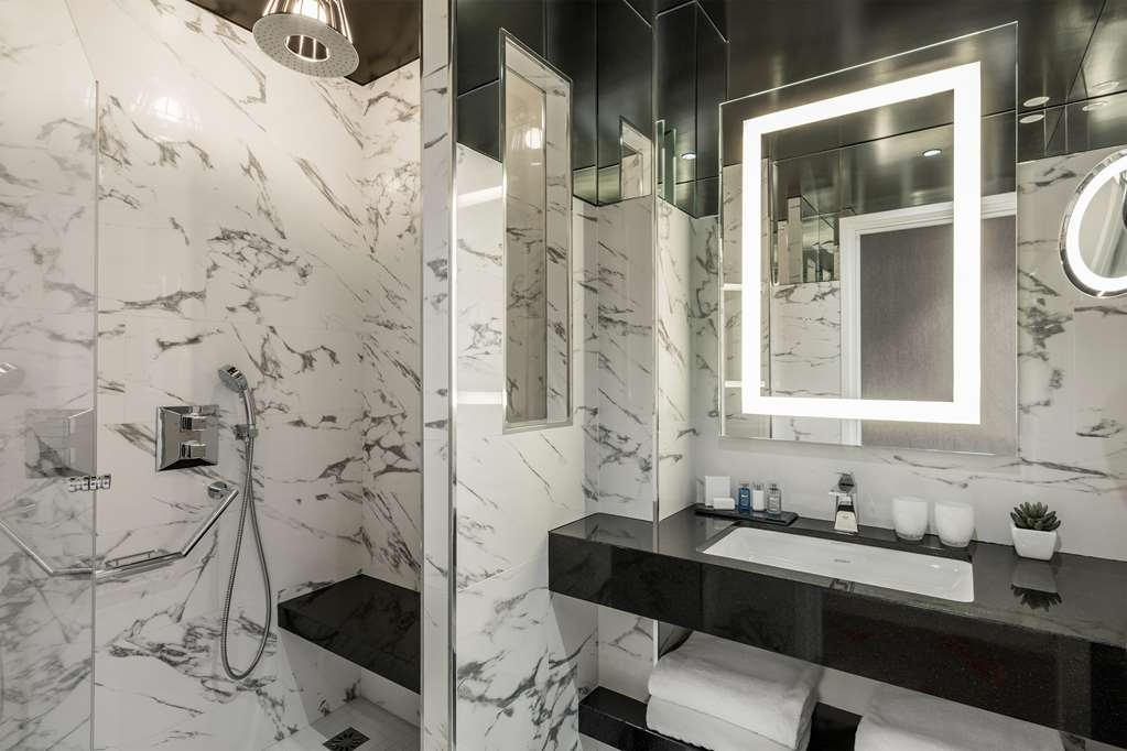 Maison Albar Hotel Opera Diamond, BW Premier Collection - Guest Bathroom