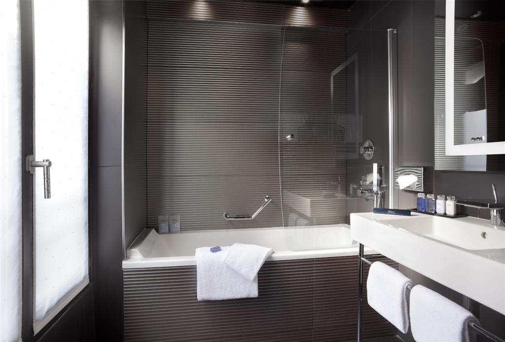 Maison Albar Hotel Opera Diamond, BW Premier Collection - Cuarto de baño de clientes