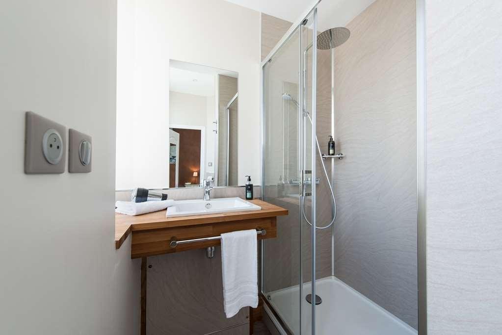 Best Western Hotel De La Plage - Bathroom - Classic Sea View Room