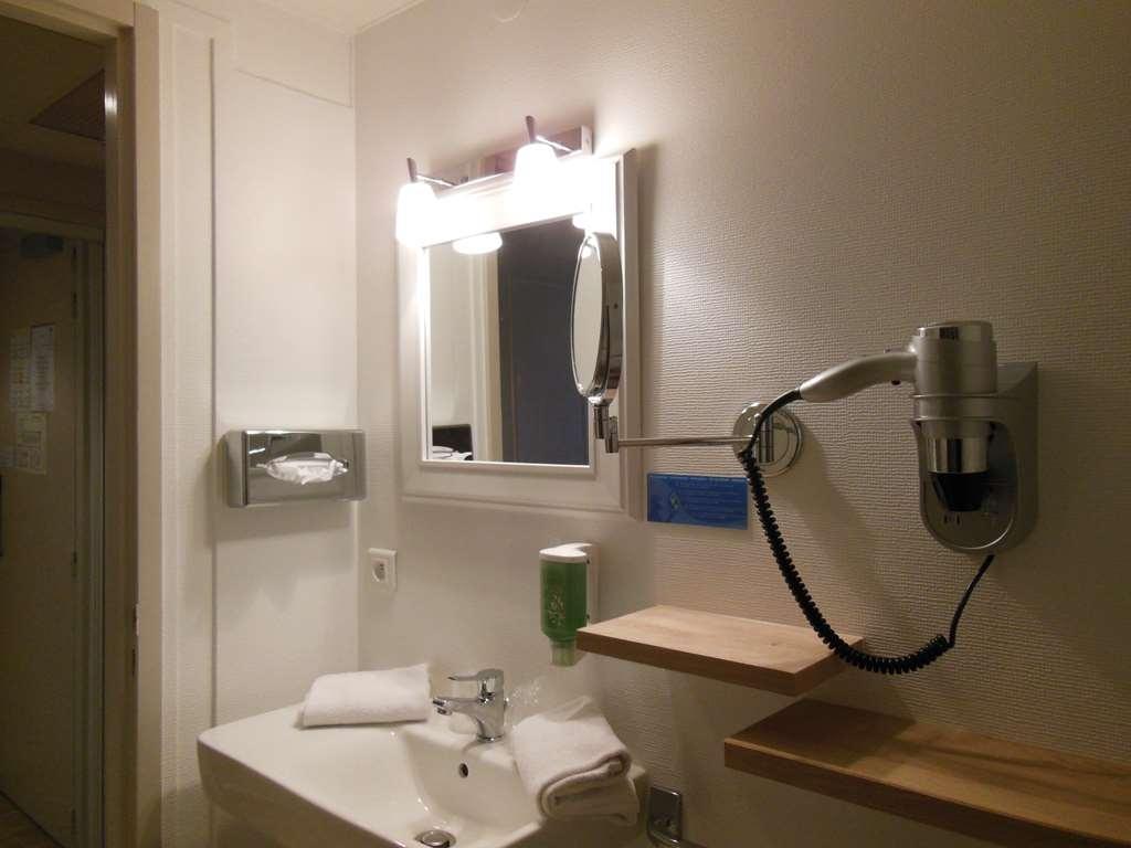 Best Western Hotel de la Bourse - Guest Bathroom