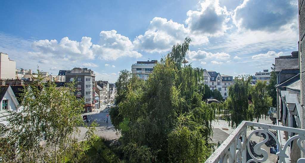 Best Western Le Duguesclin - Hotel View