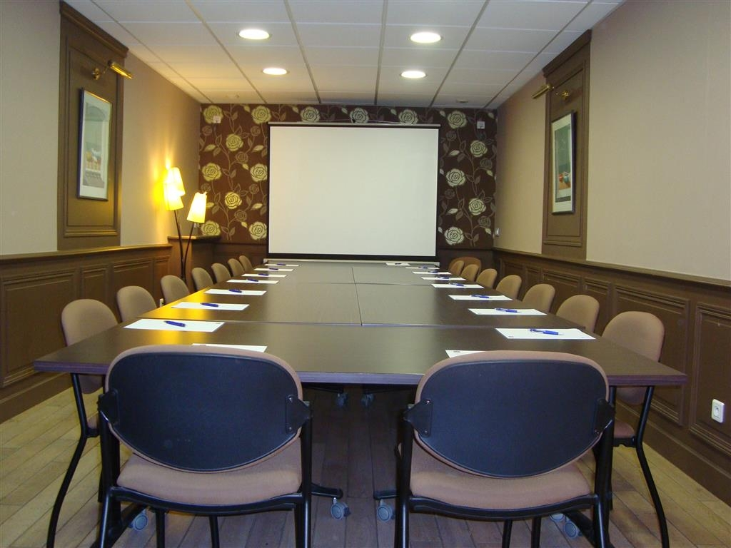 Best Western Le Duguesclin - Sala meeting