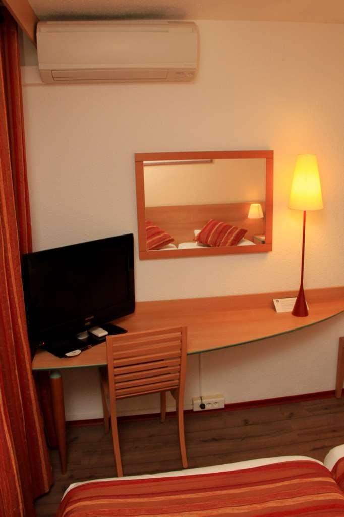 Best Western Hotel Uzes Pont Du Gard - Gästezimmer