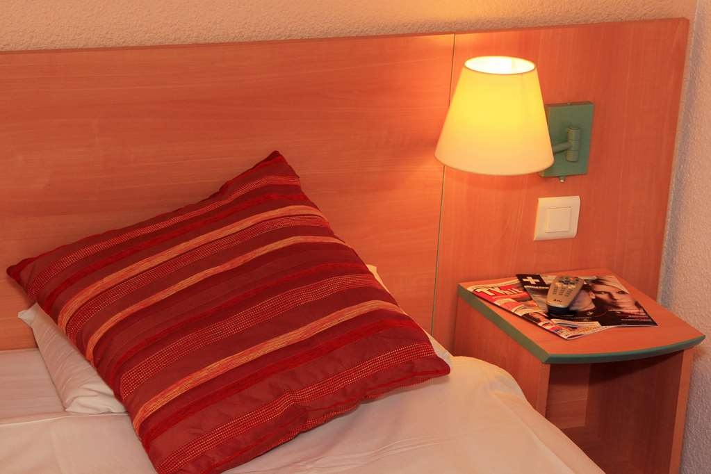 Best Western Hotel Uzes Pont Du Gard - Habitación