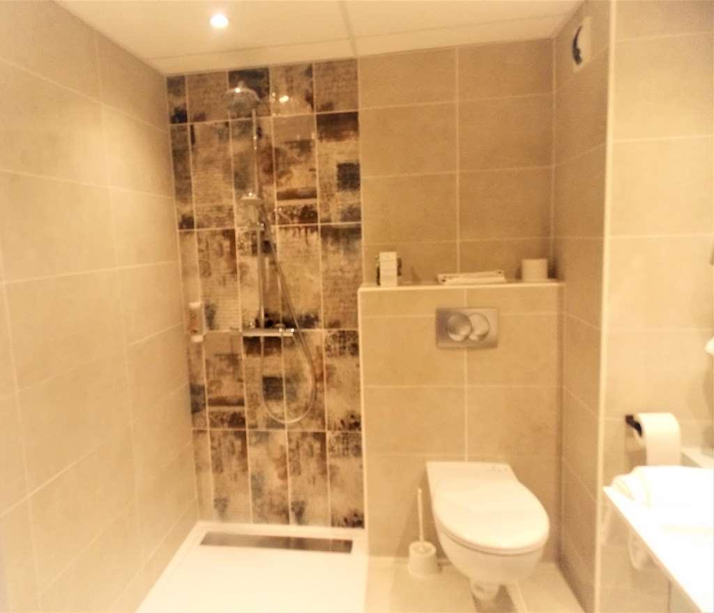 Best Western Hotel Uzes Pont Du Gard - Salle d'eau Chambre PMR