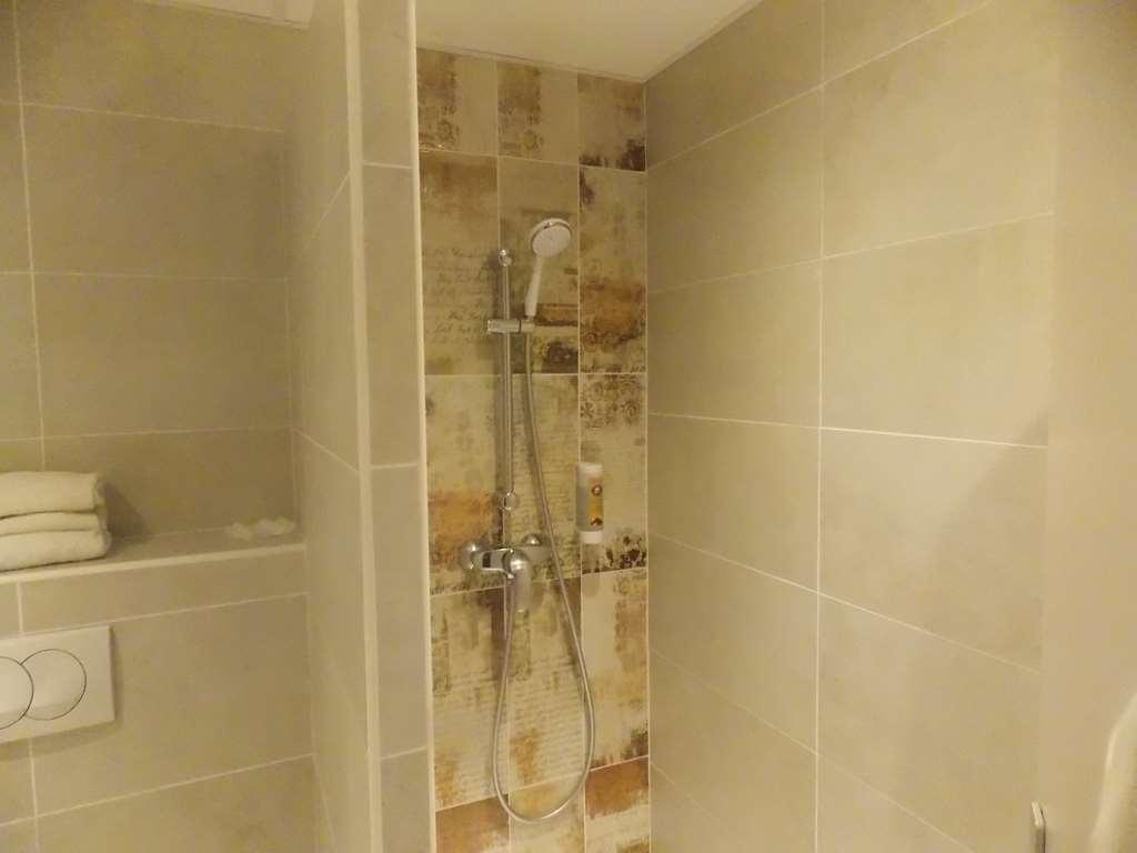 Best Western Hotel Uzes Pont Du Gard - Salle d'eau chambre twin