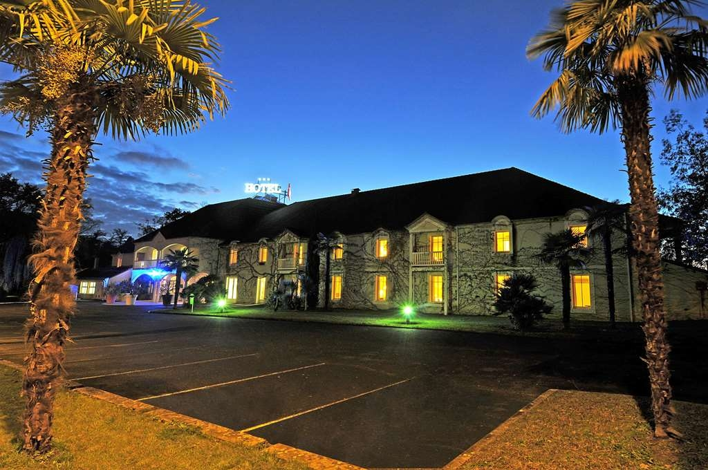 Sure Hotel by Best Western la Palmeraie - La Palmeraie, Sure Hotel by Best Western Exterior at Night