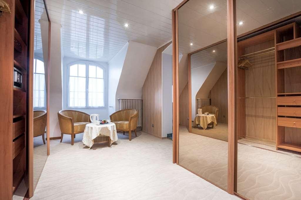 Best Western Hotel Ile de France - suite nuptial