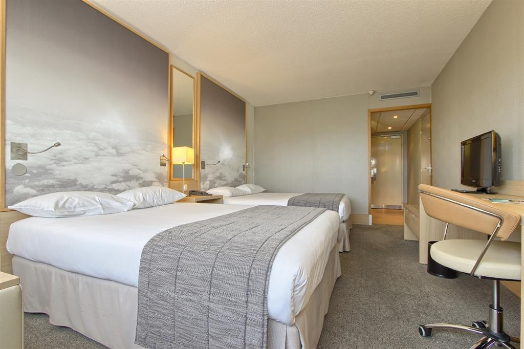 Best Western Paris CDG Airport - Superior Family Guest Room