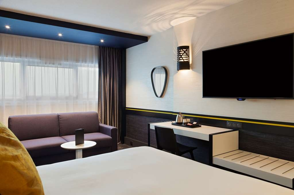 Best Western Paris CDG Airport - Superior Sofa Guest Room