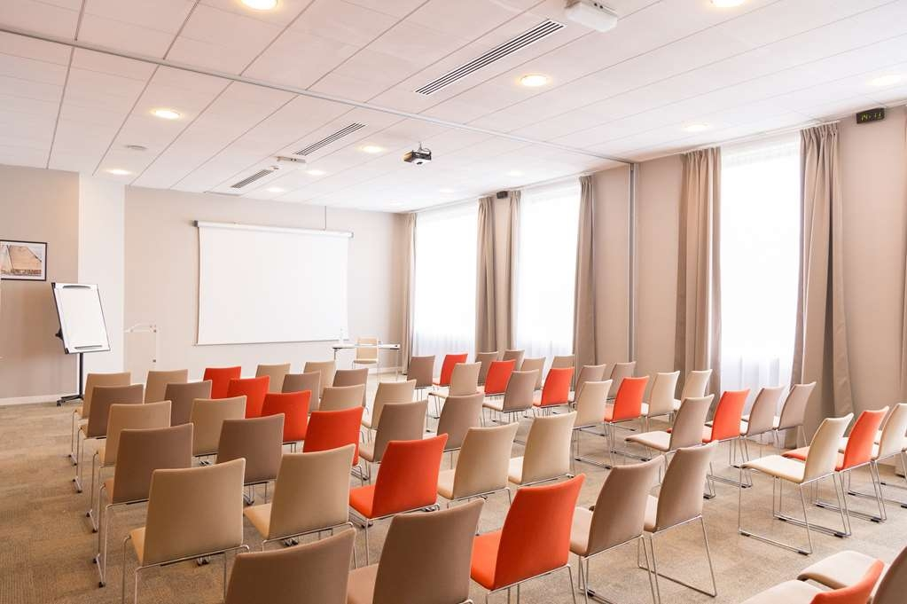 Best Western Plus Paris Val de Bievre - Meeting Room