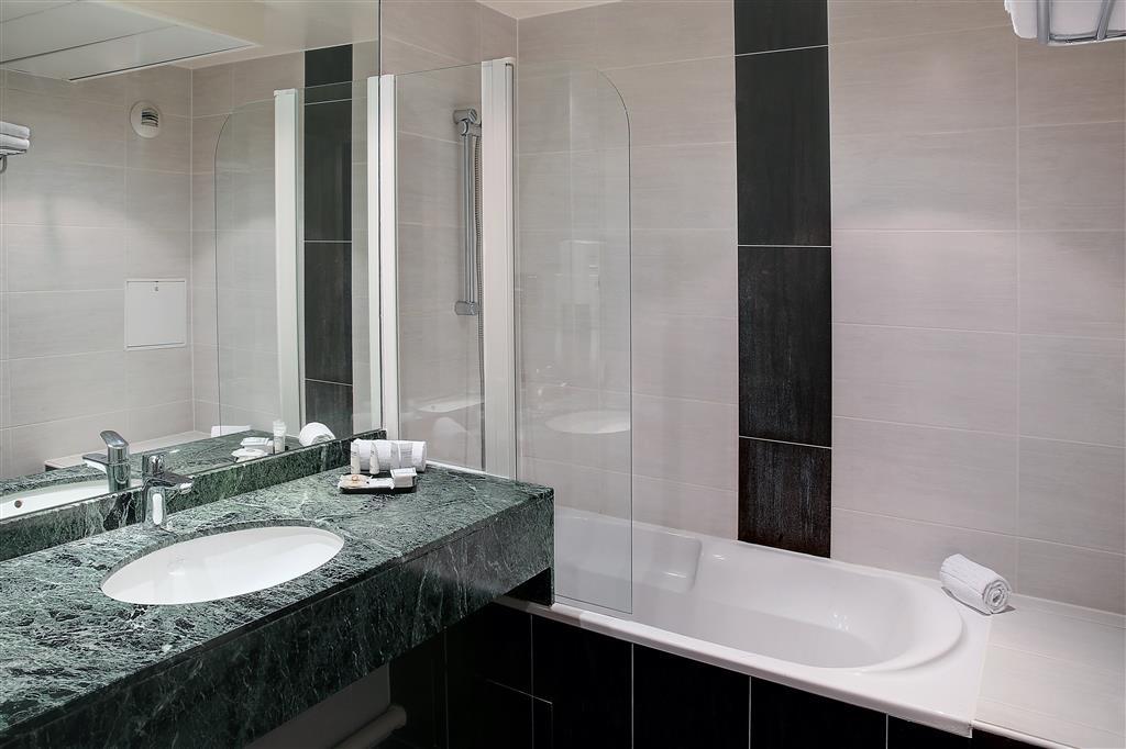 Best Western Plus Opera Batignolles - Guest Bathroom