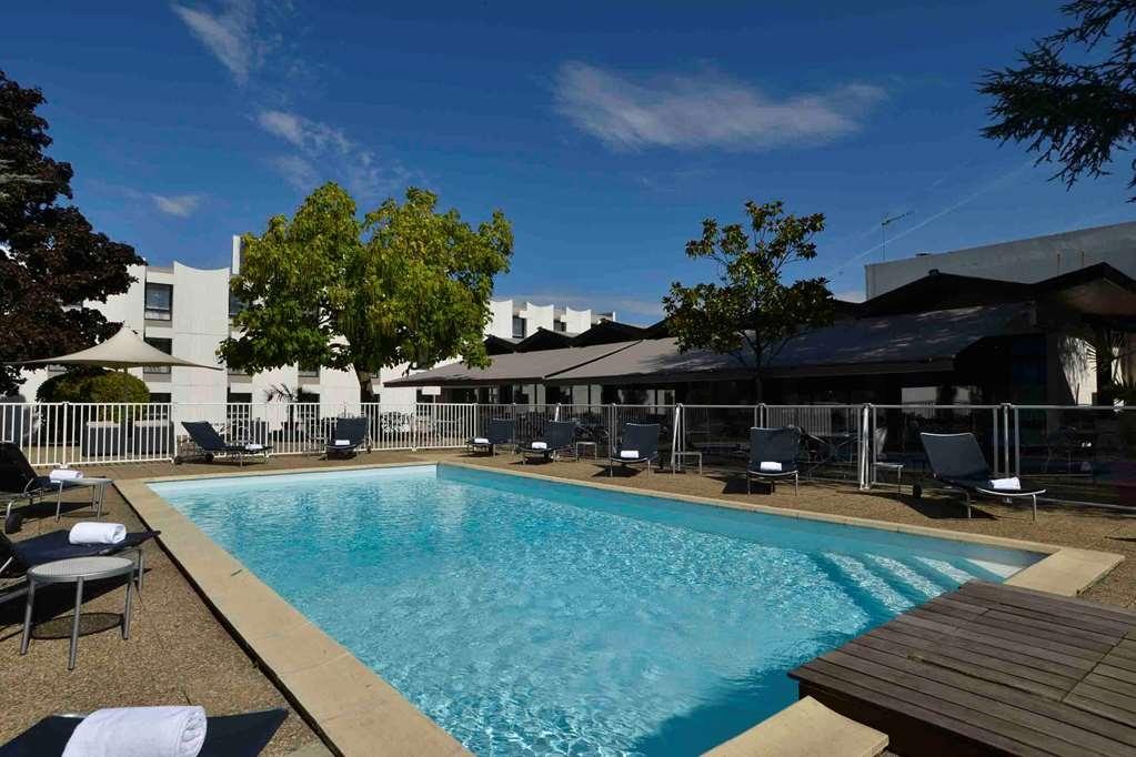 Best Western Saint-Etienne Aeroport - Vue de la piscine