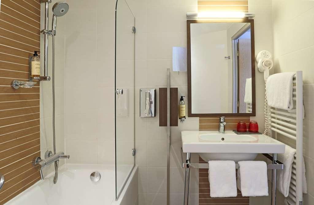 Best Western Plus Hotel La Joliette - Guest Room Bath
