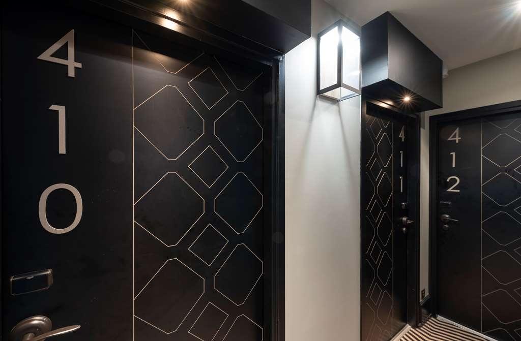 Best Western Plus Hotel La Joliette - Hallway
