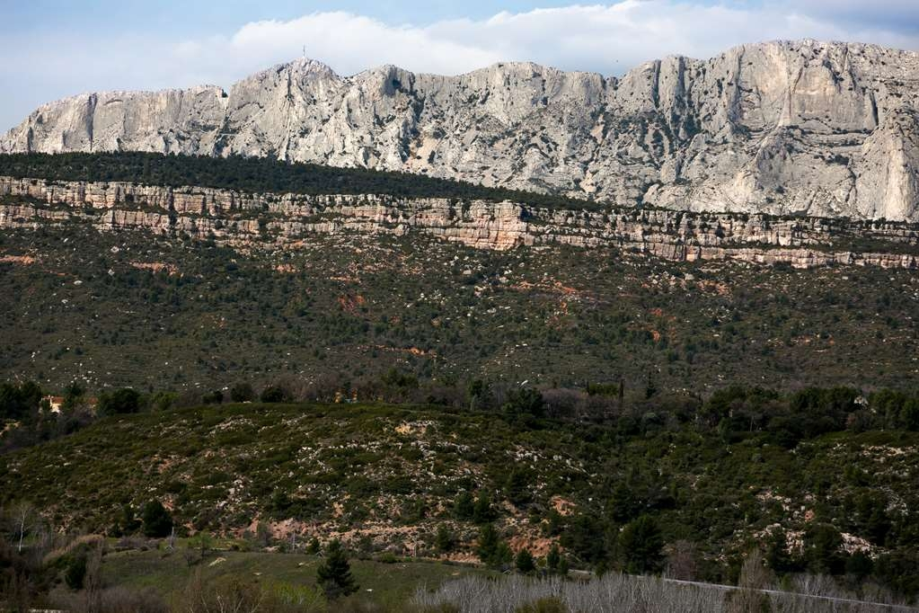 Sure Hotel by Best Western Aix Sainte Victoire - locales d'arttaction