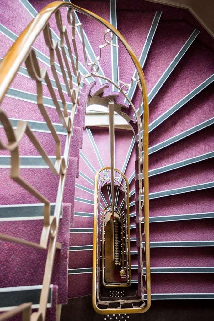 Best Western Hotel des Voyageurs - escalier
