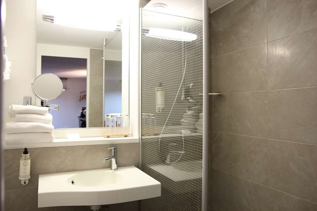 Best Western The Hotel Versailles - Baño