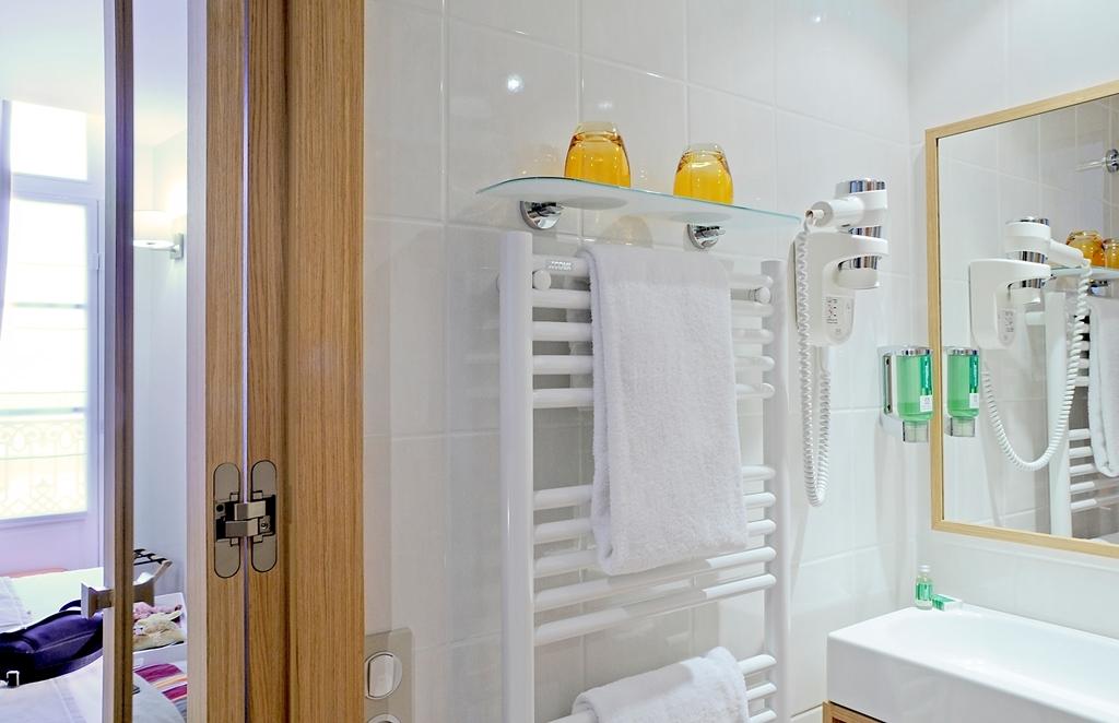Best Western Hotel du Mucem - Guest Bathroom