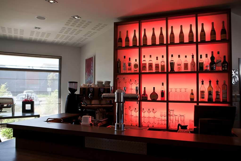 Best Western Hotel de la Cite and Spa - Bar / Lounge