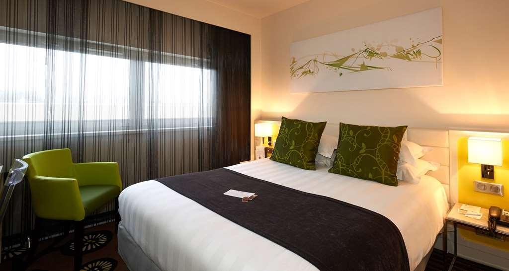Best Western Plus Hotel Le Rhenan - Standard Queen Bed Guest Room