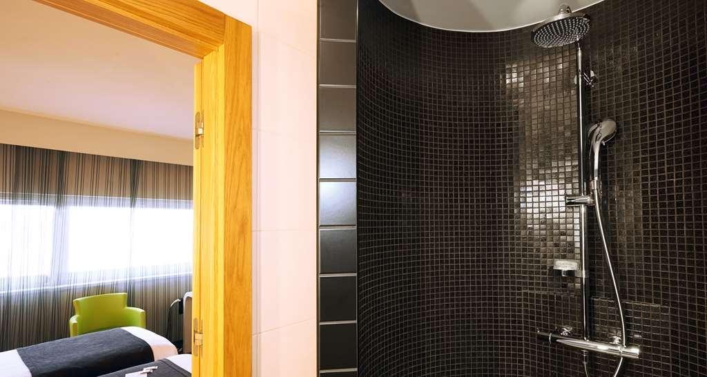 Best Western Plus Hotel Le Rhenan - Standard Twin Bed Room - Bathroom