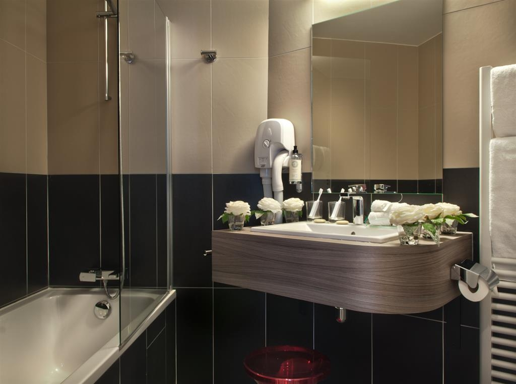 Best Western Paris Porte de Versailles - Guest Bathroom