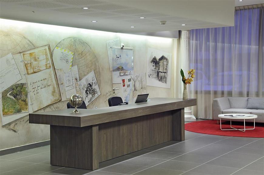 Best Western Plus Hotel & Spa de Chassieu - Front Desk