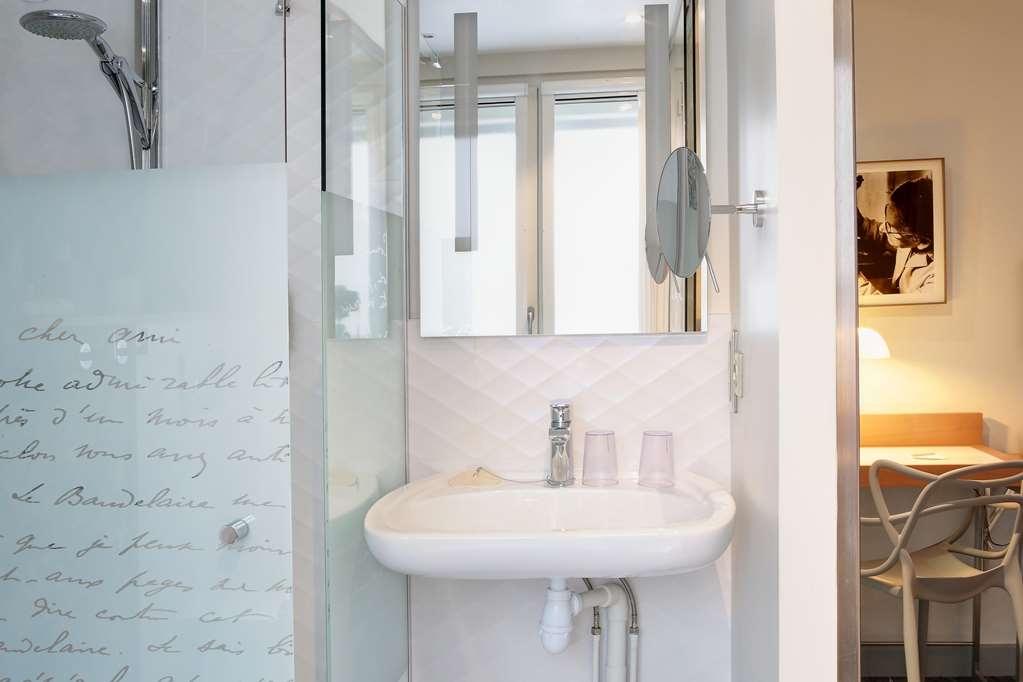 Best Western Premier Le Swann - Guest Bathroom