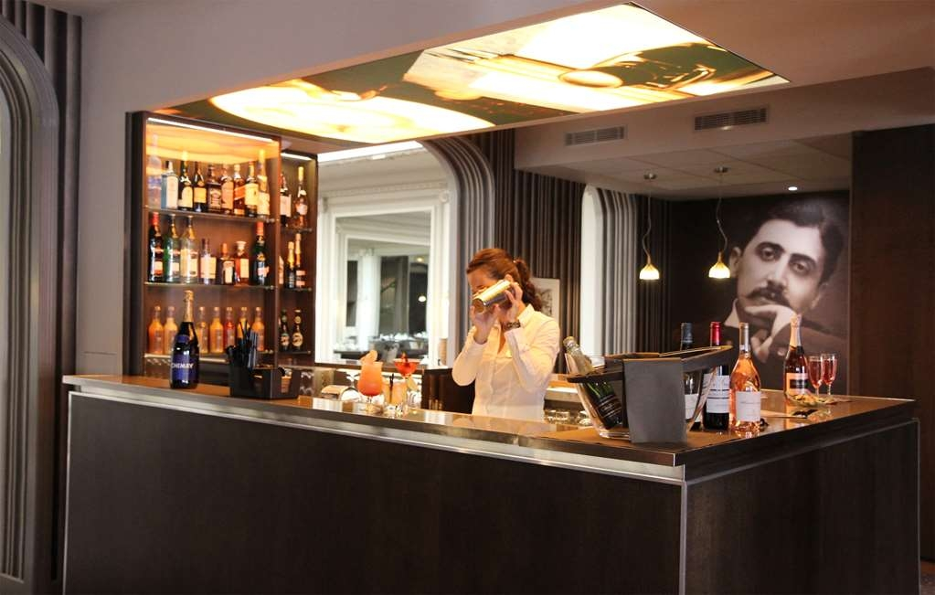 Best Western Premier Le Swann - Bar/Lounge