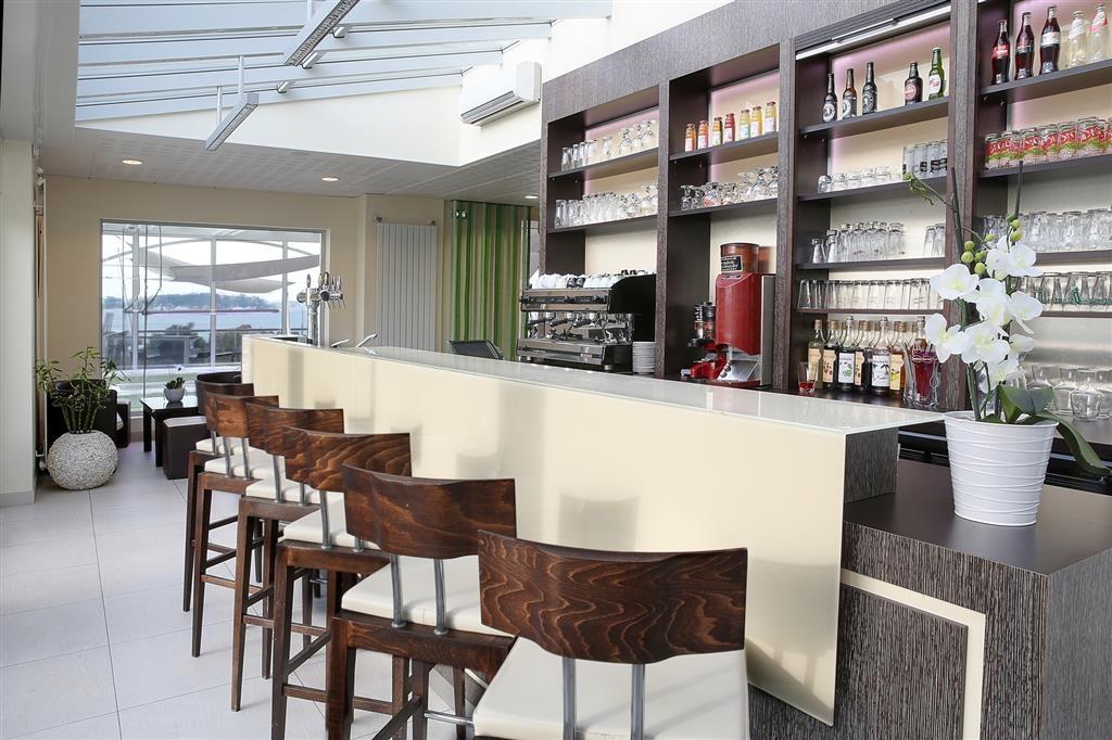 Best Western Plus Les Terrasses de Brehat - Bar/Lounge