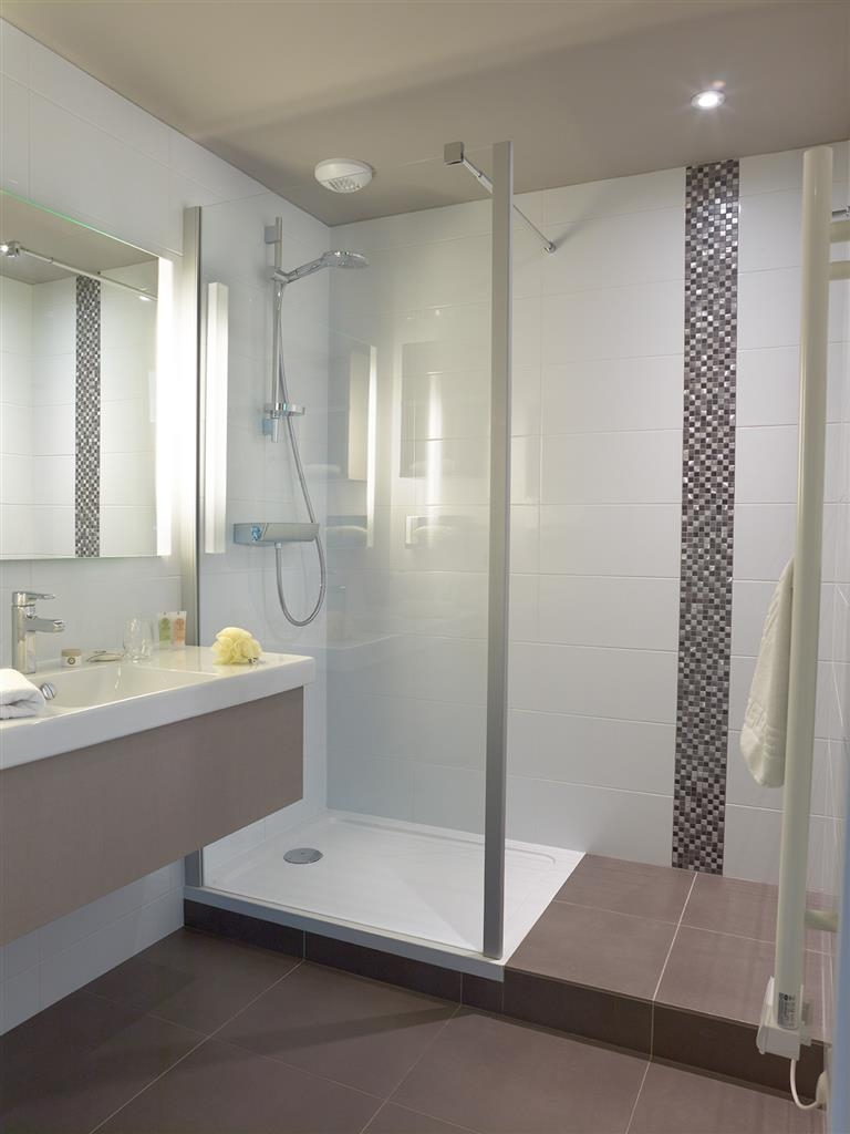 Best Western Plus Hotel Metz Technopole - Guest Bathroom