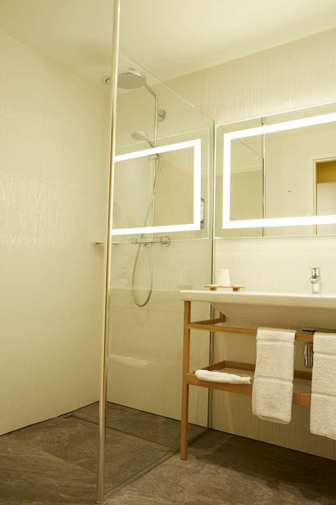 Best Western Plus Hotel d'Europe et d'Angleterre - Guest Bathroom