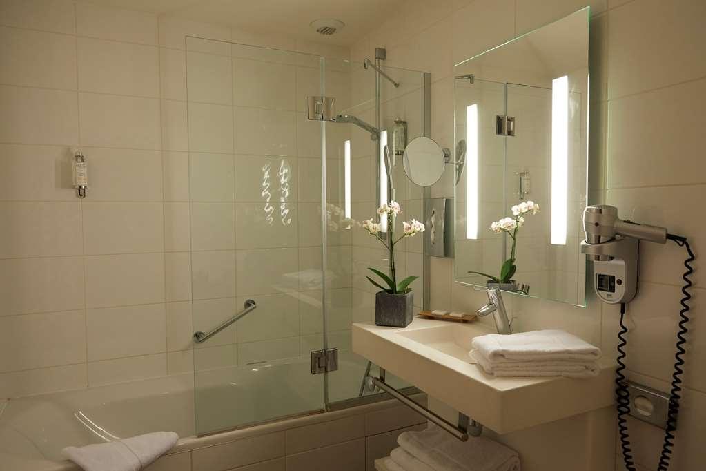 Best Western Plus Hotel d'Europe et d'Angleterre - Guest Bathroom