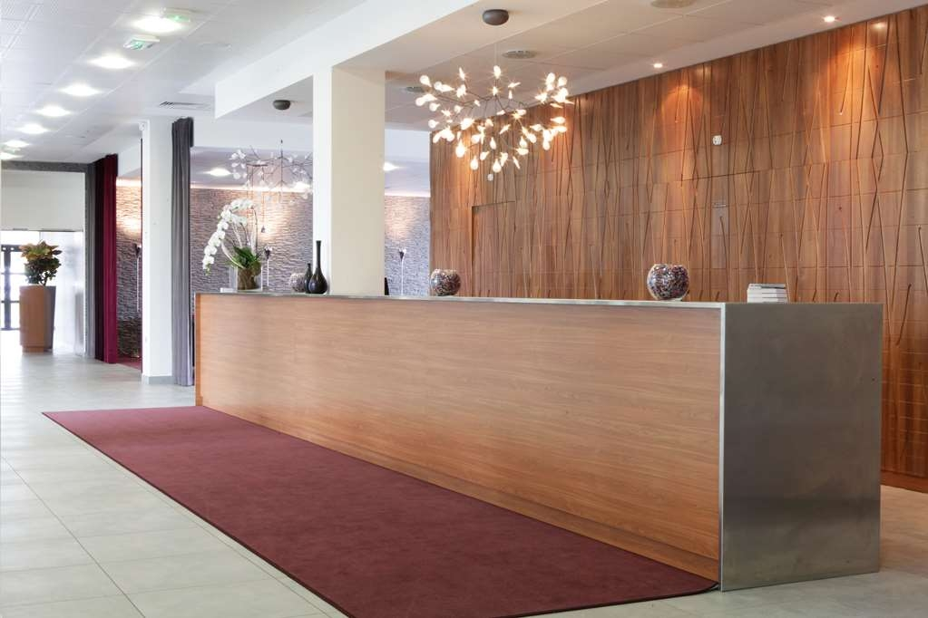 Best Western Plus Paris Velizy - Lobbyansicht