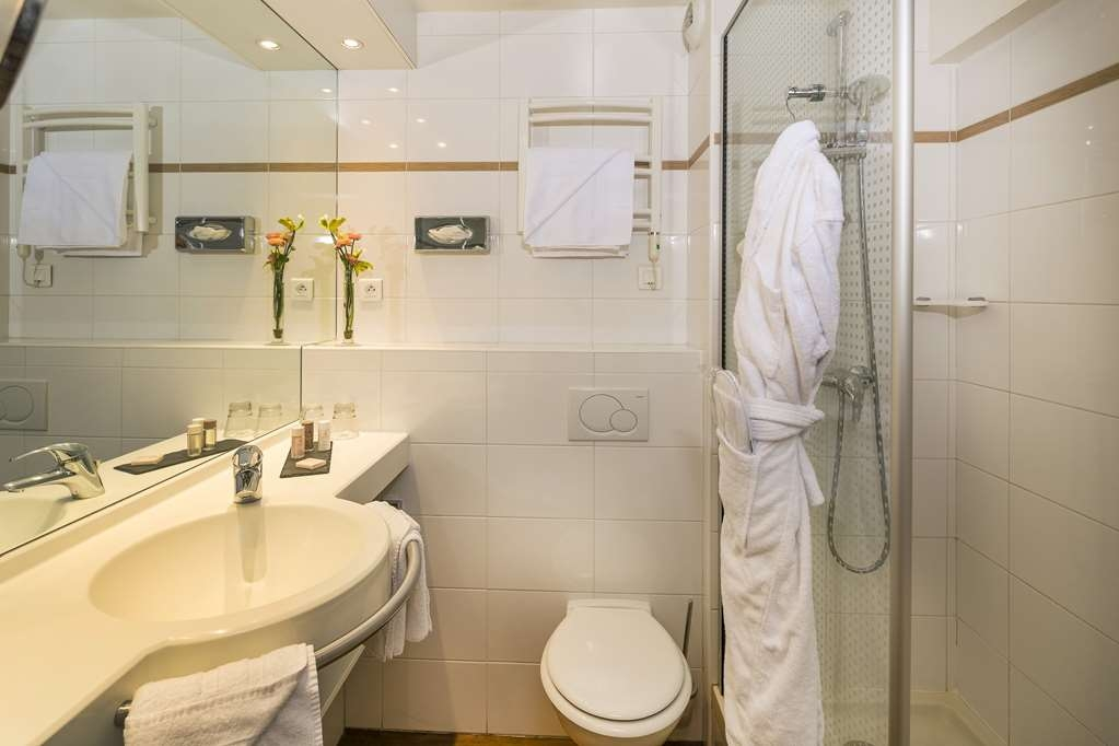Best Western Plus Hotel Elixir Grasse - Guest Bathroom
