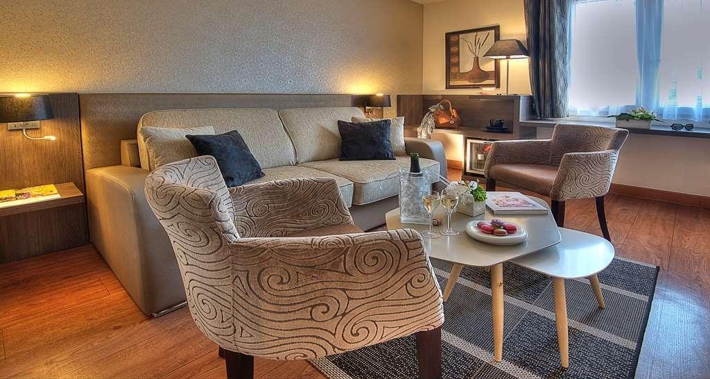 Best Western Plus Hotel Elixir Grasse - Chambre suite salon