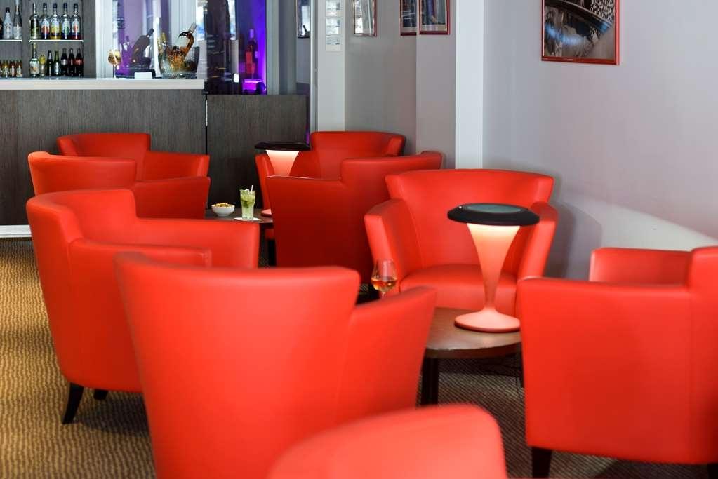 Best Western Plus Le Patio des Artistes - Bar/Lounge