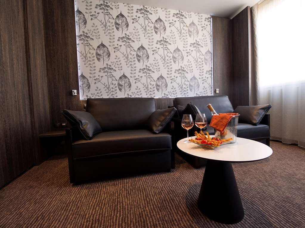 Best Western Plus Le Patio des Artistes - Habitaciones/Alojamientos