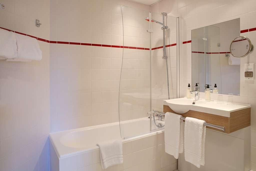 Best Western Les Bains de Perros-Guirec Hotel et Spa - Guest Bathroom