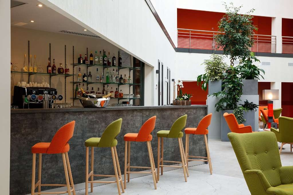 Best Western Plus Hotel Escapade Senlis - Bar/Lounge