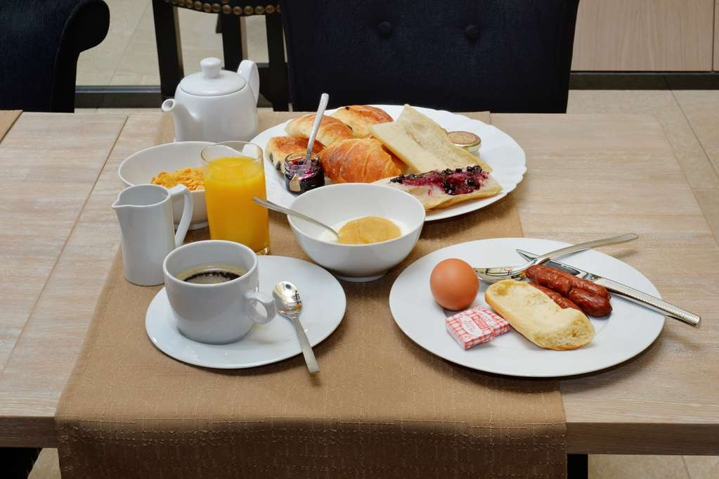 Best Western Hotel le 18 Paris - Breakfast