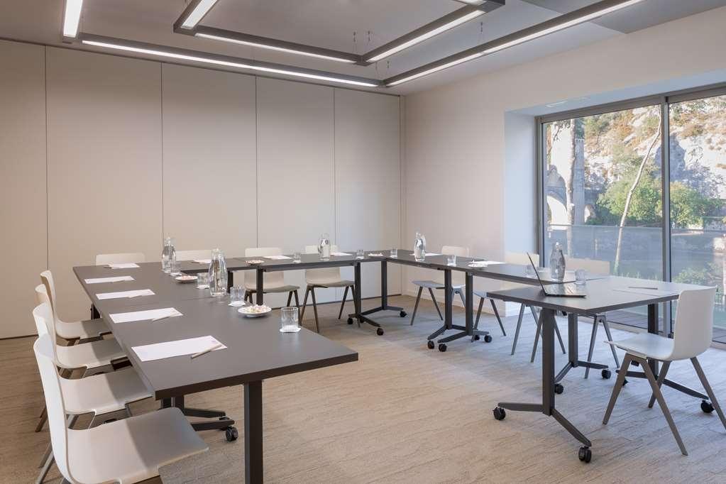 Best Western Plus Hotel Divona Cahors - Salle de réunion