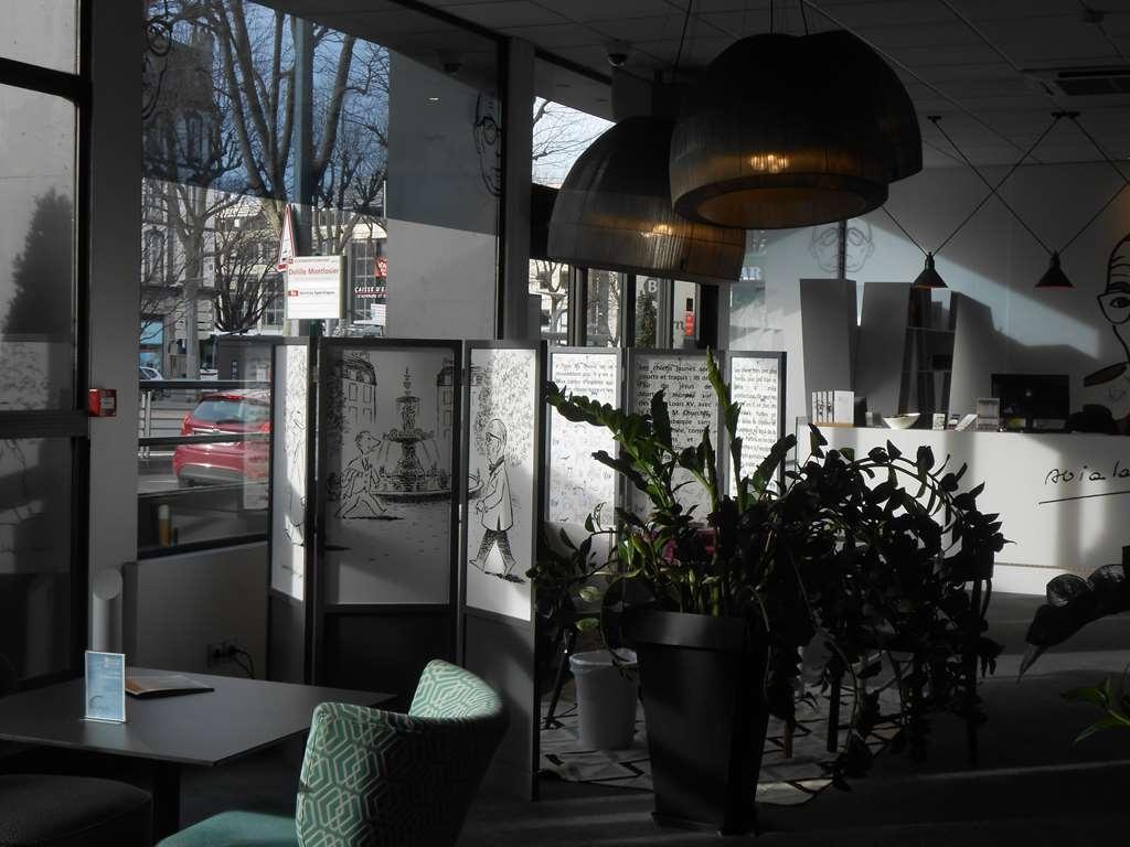Best Western Plus Hotel Litteraire Alexandre Vialatte - Vista del vestíbulo